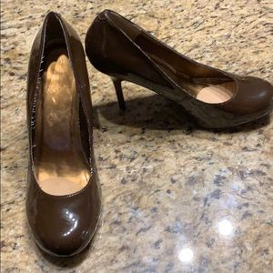 Woman's brown heels